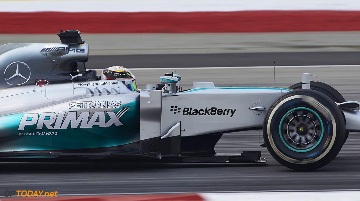 FP3: Mercedes domineert - problemen voor McLaren