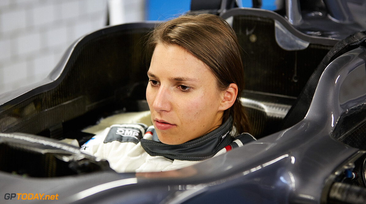 De Silvestro considers next step without backer, manager