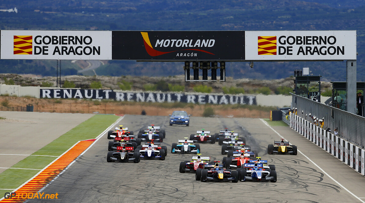 01 SAINZ Carlos (Spa) Formula Renault 3.5 Dams action START during the 2014 World Series by Renault, on April 27, 2014 in Motorland, Spain. Photo Florent Gooden / DPPI AUTO - WSR MOTORLAND 2014 FLORENT GOODEN MOTORLAND SPAIN  Auto Car FR Formula Renault FR 3.5 MONOPLACE Motorsport Race UNIPLACE WSR WORLD SERIES BY RENAULT 2014 APRIL AVRIL