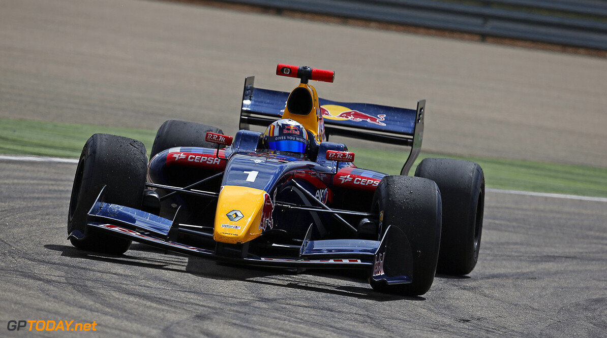 01 SAINZ Carlos (Spa) Formula Renault 3.5 Dams action during the 2014 World Series by Renault, on April 27, 2014 in Motorland, Spain. Photo Florent Gooden / DPPI AUTO - WSR MOTORLAND 2014 FLORENT GOODEN MOTORLAND SPAIN  Auto Car FR Formula Renault FR 3.5 MONOPLACE Motorsport Race UNIPLACE WSR WORLD SERIES BY RENAULT 2014 APRIL AVRIL