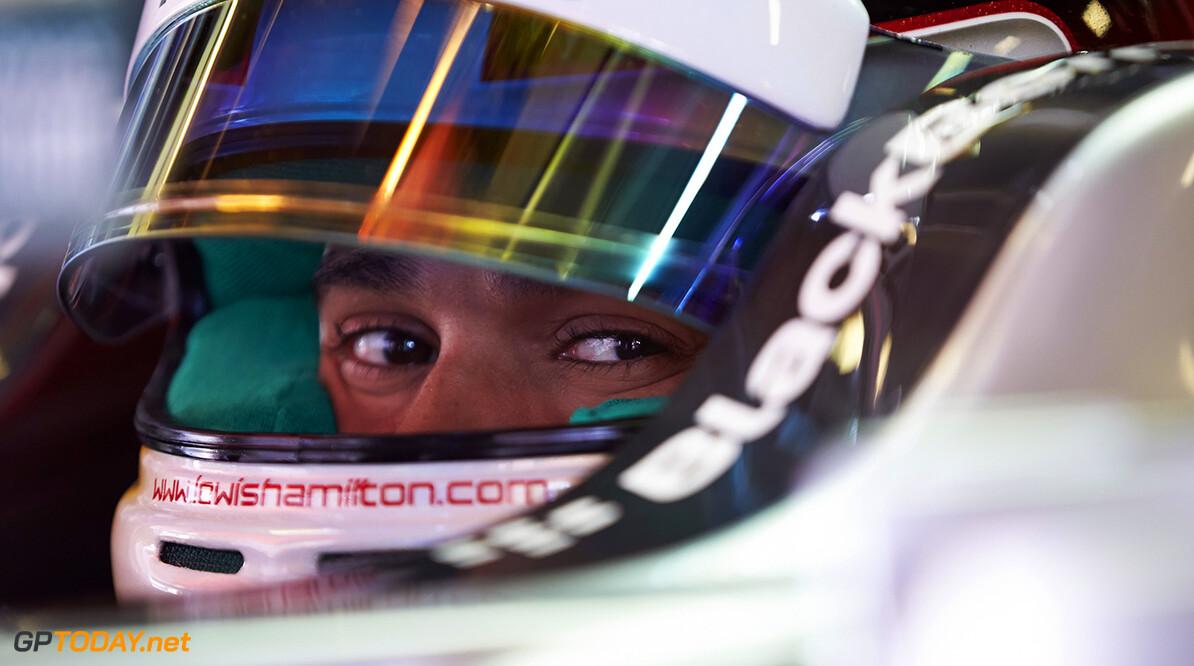 Ecclestone ziet Hamilton als betere kampioen dan Rosberg