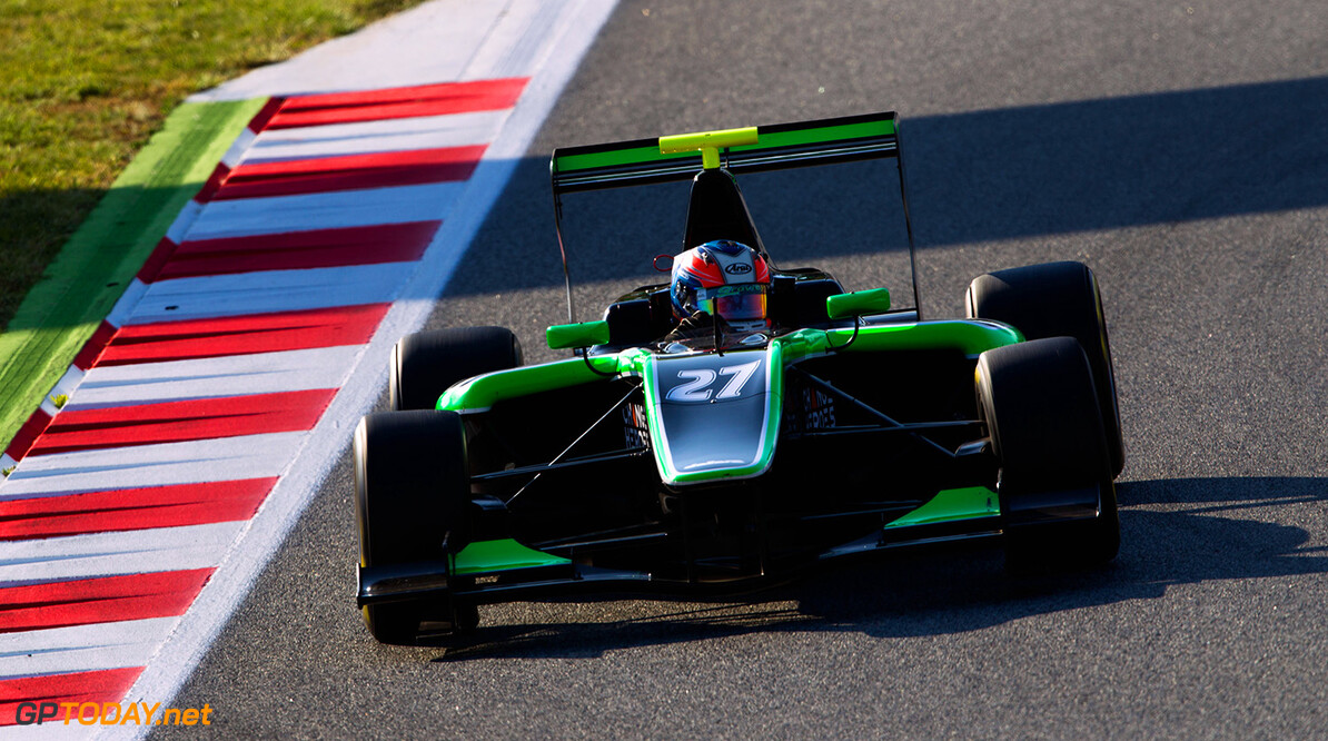 2014 GP3 Series Round 1 - Practice.