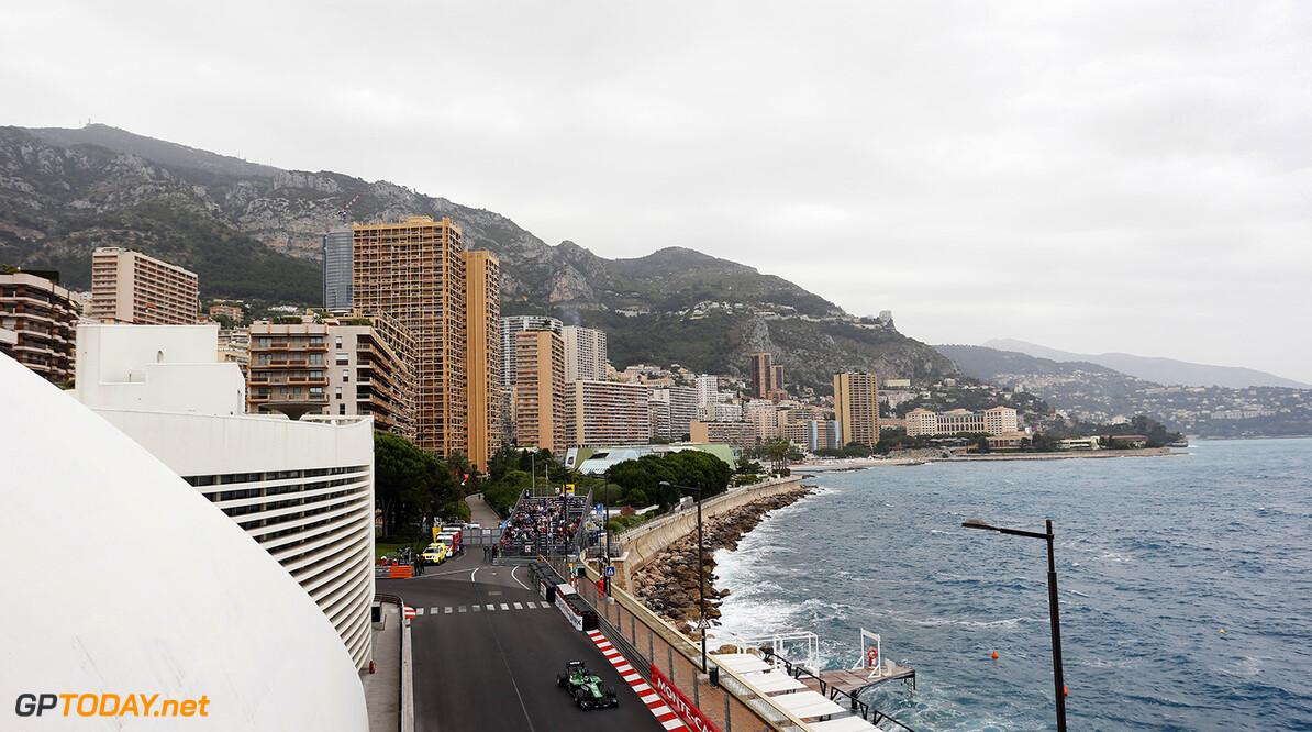 Rosberg wint het spektakel op de straat