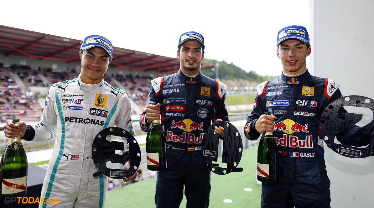 Podium with SAINZ Carlos (Spa) Formula Renault 3.5 Dams, GASLY Pierre (Fra)  Formula Renault 3.5 Arden Motorsport  and JAAFAR Jazeman  (Mas) Formula Renault 3.5 Isr during the 2014 World Series by Renault, on from may 30th to June 1st  2014, at Spa Francorchamps, Belgium. Photo Frederic Le Floc'h / DPPI AUTO - WSR SPA-FRANCORCHAMPS 2014 FREDERIC LE FLOC'H SPA-FRANCORCHAMPS BELGIQUE  2014 AUTO BELGIQUE Car FORMULA RENAULT FR FR 3.5 MAY MONOPLACE MOTORSPORT Mai Race UNIPLACE WORLD SERIES BY RENAULT WSR