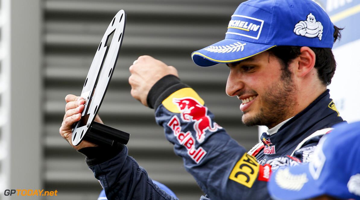 """Sainz jr: """"Logica niet altijd van toepassing op Formule 1"""""""