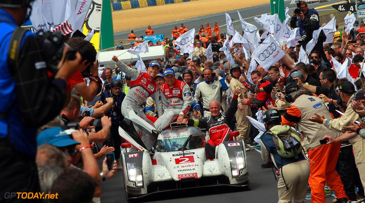 24h Le Mans 2014 Audi R18 e-tron quattro #2 (Audi Sport Team Joest), Marcel Fassler, Andre Lotterer, Benoit Treluyer, Dr. Wolfgang Ullrich (Head of Audi Sport)     Audi Communications Motorsport Le Mans France