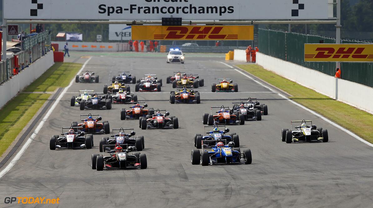 FIA Formula 3 European Championship, round 5, race 3, Spa-Franco Start of the race, 2 Esteban Ocon (FRA, Prema Powerteam, Dallara F312 - Mercedes) taking the lead from 10 John Bryant-Meisner (SWE, Fortec Motorsports, Dallara F312 - Mercedes), FIA Formula 3 European Championship, round 5, race 3, Spa-Francorchamps (BEL) - 20. - 22. June 2014 FIA Formula 3 European Championship, round 5, race 3, Spa-Francorchamps (BEL) Thomas Suer Spa-Francorchamps Belgium
