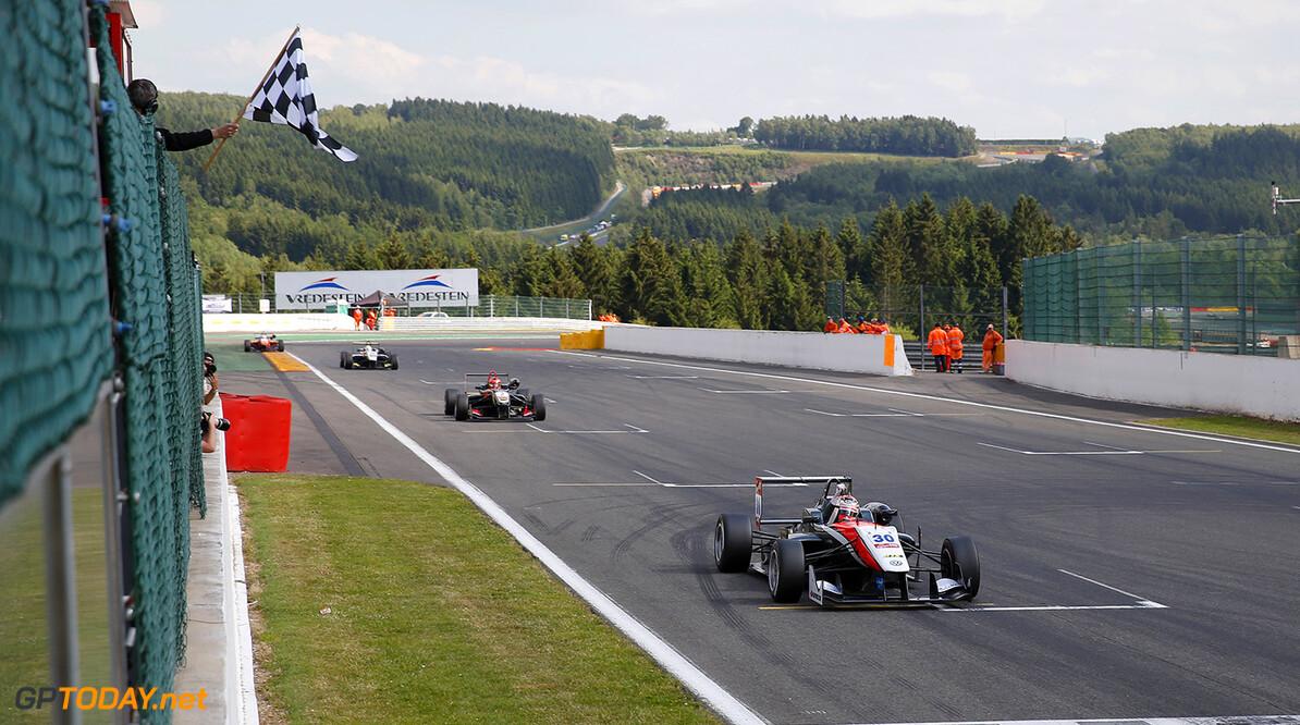FIA Formula 3 European Championship, round 5, race 2, Spa-Franco 30 Max Verstappen (NLD, Van Amersfoort Racing, Dallara F312 - Volkswagen), 2 Esteban Ocon (FRA, Prema Powerteam, Dallara F312 - Mercedes), 16 Gustavo Menezes (USA, Van Amersfoort Racing, Dallara F312 - Volkswagen), FIA Formula 3 European Championship, round 5, race 2, Spa-Francorchamps (BEL) - 20. - 22. June 2014 FIA Formula 3 European Championship, round 5, race 2, Spa-Francorchamps (BEL) Thomas Suer Spa-Francorchamps Belgium