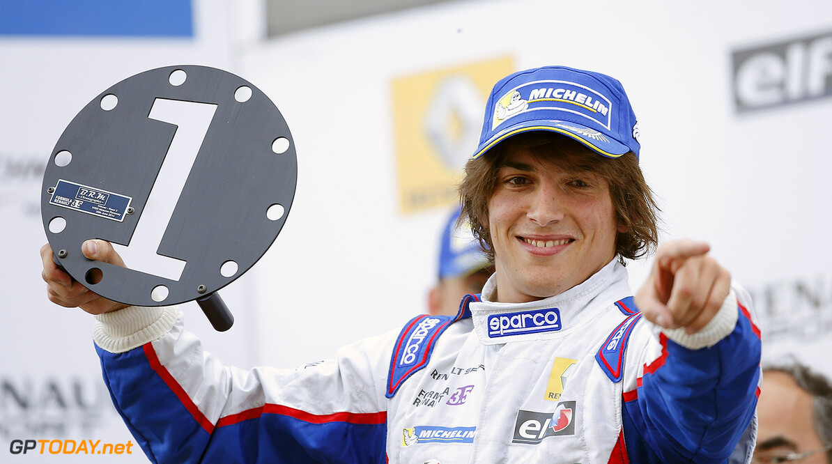 Monza debut depending on F1 license for Merhi