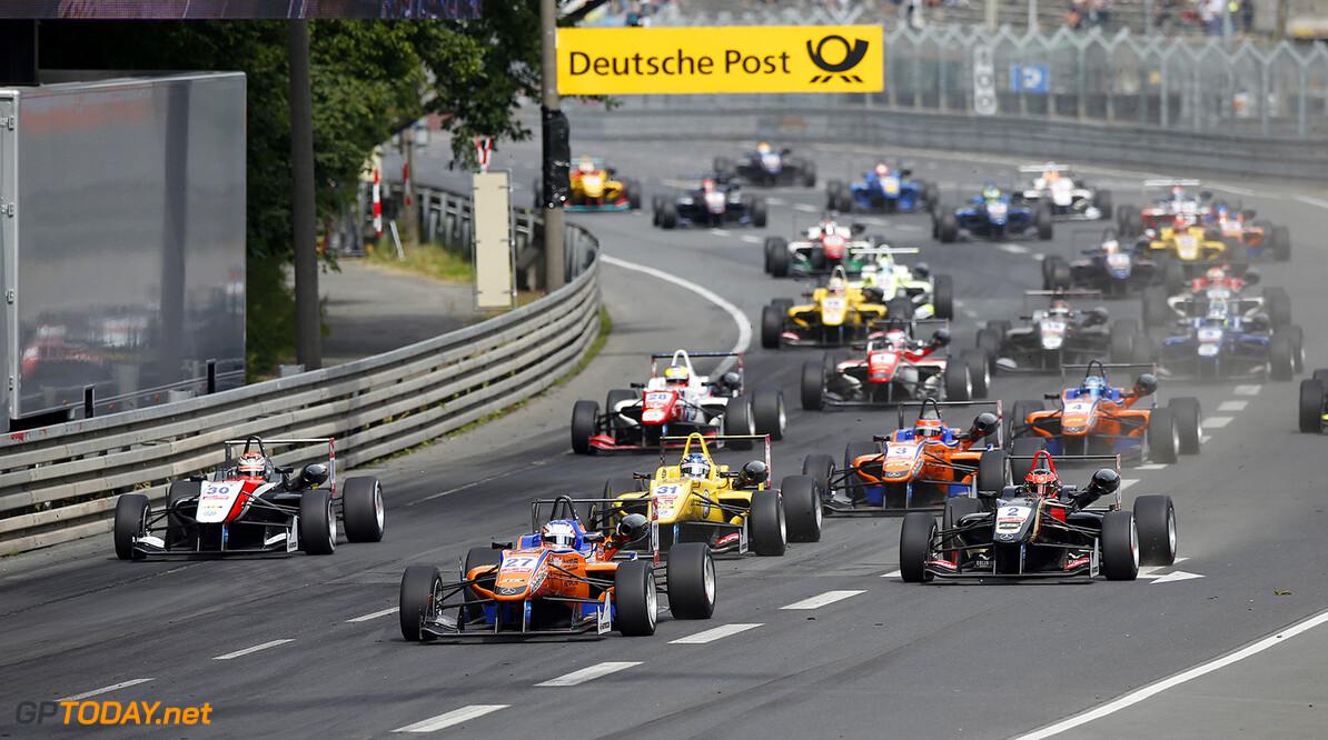 FIA Formula 3 European Championship, round 6, race 1, Norisring Start of the race, 27 Felix Rosenqvist (SWE, kfzteile24 Mucke Motorsport, Dallara F312 - Mercedes), 30 Max Verstappen (NLD, Van Amersfoort Racing, Dallara F312 - Volkswagen), 2 Esteban Ocon (FRA, Prema Powerteam, Dallara F312 - Mercedes), FIA Formula 3 European Championship, round 6, race 1, Norisring (GER) - 27. - 29. June 2014 FIA Formula 3 European Championship, round 6, race 1, Norisring (GER) Thomas Suer Nuremberg Germany