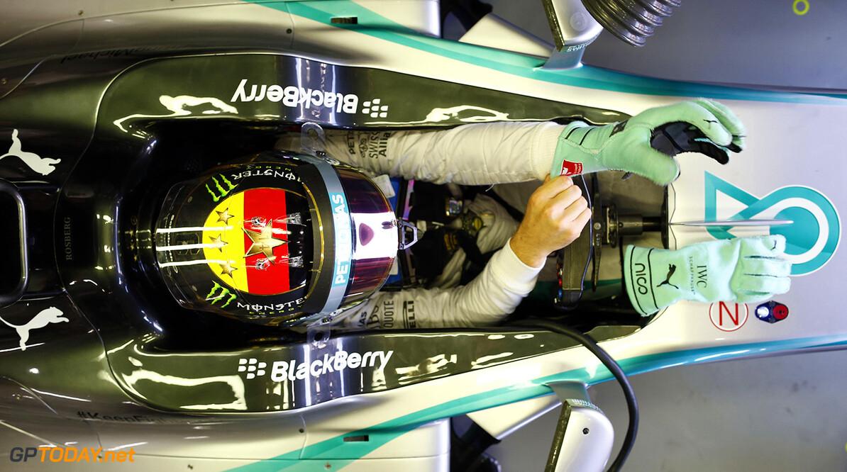 Rosberg pakt pole - brand bij Hamilton
