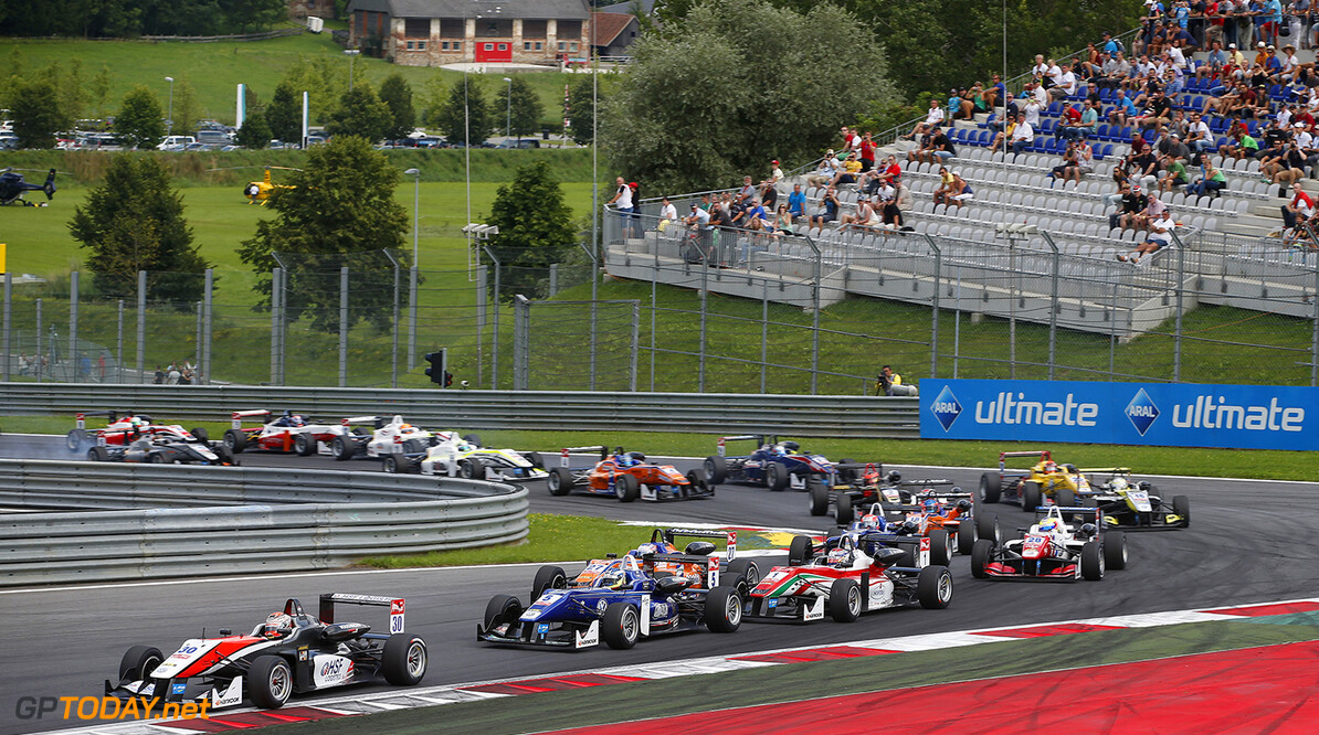 FIA Formula 3 European Championship, round 8, race 3, Red Bull R Start of the race, 30 Max Verstappen (NLD, Van Amersfoort Racing, Dallara F312 - Volkswagen), 5 Jordan King (GBR, Carlin, Dallara F312 - Volkswagen), 1 Nicholas Latifi (CAN, Prema Powerteam, Dallara F312 - Mercedes), FIA Formula 3 European Championship, round 8, race 3, Red Bull Ring (AUT) - 1. - 3. August 2014 FIA Formula 3 European Championship, round 8, race 3, Red Bull Ring (AUT) Thomas Suer Spielberg Austria