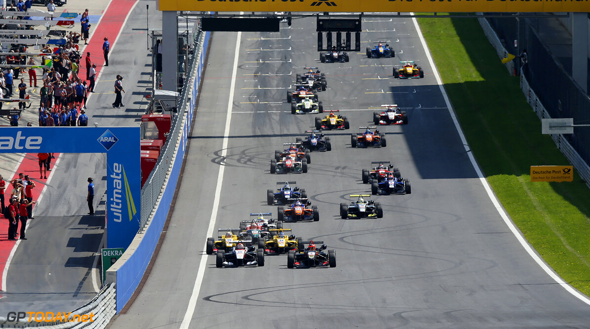 FIA Formula 3 European Championship, round 8, race 1, Red Bull R Start of the race, 19 Antonio Giovinazzi (ITA, Jagonya Ayam with Carlin, Dallara F312 - Volkswagen), 31 Tom Blomqvist (GBR, Jagonya Ayam with Carlin, Dallara F312 - Volkswagen), 30 Max Verstappen (NLD, Van Amersfoort Racing, Dallara F312 - Volkswagen), 2 Esteban Ocon (FRA, Prema Powerteam, Dallara F312 - Mercedes), FIA Formula 3 European Championship, round 8, race 1, Red Bull Ring (AUT) - 1. - 3. August 2014 FIA Formula 3 European Championship, round 8, race 1, Red Bull Ring (AUT) Thomas Suer Spielberg Austria