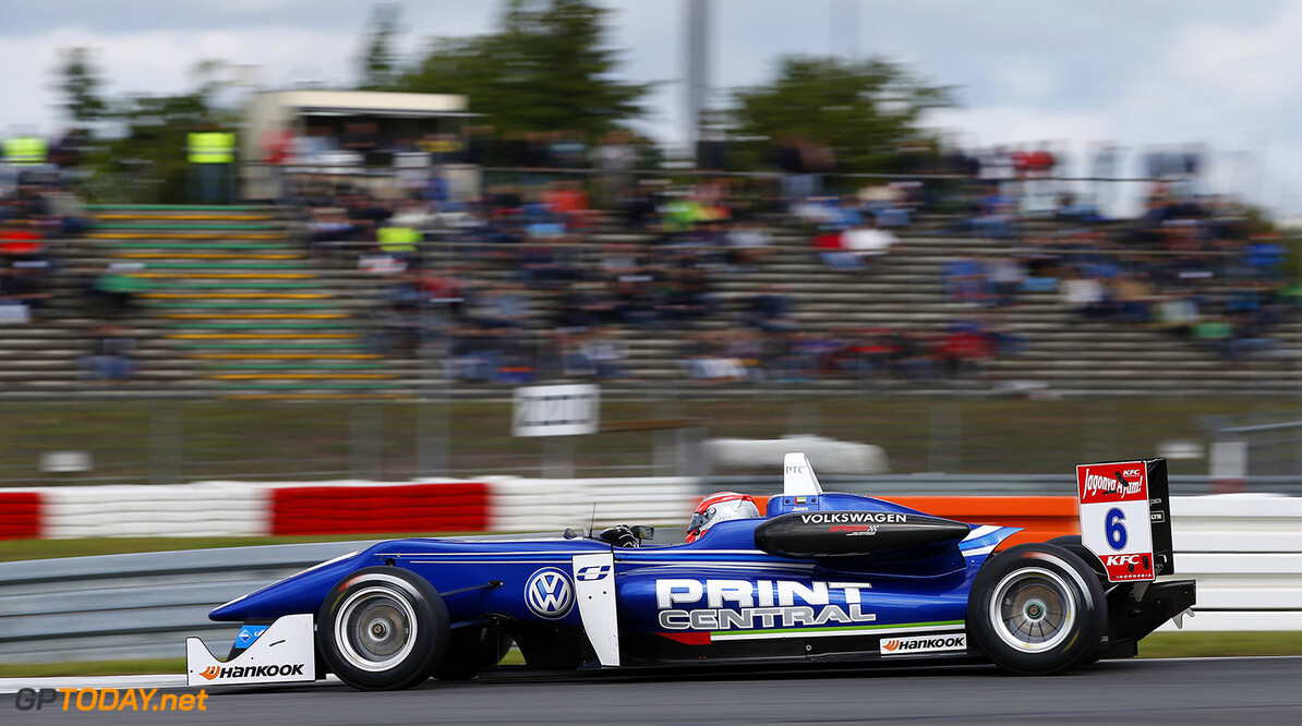 Ed Jones stapt over naar Indy Lights met Carlin
