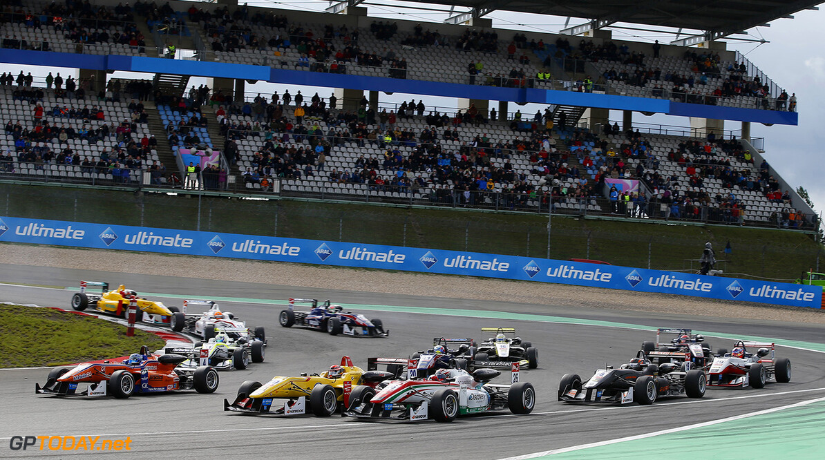FIA Formula 3 European Championship, round 9, race 2, Nurburgri Start of the race, 4 Roy Nissany (ISR, kfzteile24 Mucke Motorsport, Dallara F312 - Mercedes), 20 Sean Gelael (IDN, Jagonya Ayam with Carlin, Dallara F312 - Volkswagen), 26 Dennis Van de Laar (NLD, Prema Powerteam, Dallara F312 - Mercedes), FIA Formula 3 European Championship, round 9, race 2, Nurburgring (GER) - 15. - 17. August 2014 FIA Formula 3 European Championship, round 9, race 2, Nurburgring (GER) Thomas Suer Nurburg Germany