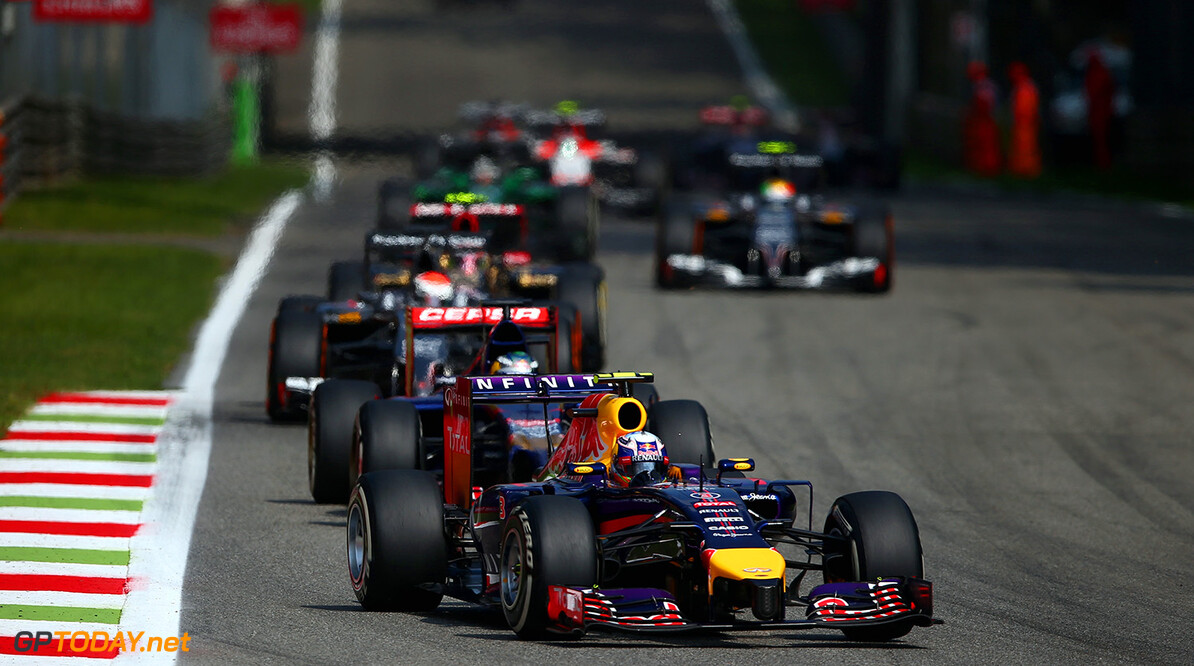 MONZA, ITALY - SEPTEMBER 07:  Daniel Ricciardo of Australia and Infiniti Red Bull Racing drives during the F1 Grand Prix of Italy at Autodromo di Monza on September 7, 2014 in Monza, Italy.  (Photo by Paul Gilham/Getty Images) *** Local Caption *** Daniel Ricciardo F1 Grand Prix of Italy Paul Gilham Monza Italy