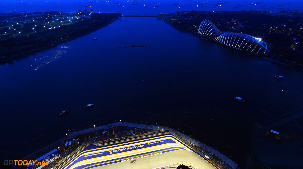 SINGAPORE - SEPTEMBER 19:  A general view of the circuit during practice ahead of the Singapore Formula One Grand Prix at Marina Bay Street Circuit on September 19, 2014 in Singapore, Singapore.  (Photo by Lars Baron/Getty Images) F1 Grand Prix of Singapore - Practice Lars Baron Singapore Singapore  Formula One Racing formula 1 Auto Racing Formula One Grand Prix Marina Bay Street Circuit Singapore Grand Prix