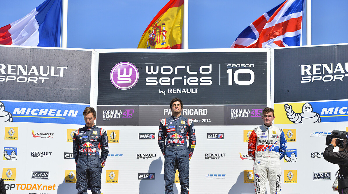 GASLY Pierre (Fra)  Formula Renault 3.5 Arden Motorsport  ambiance SAINZ Carlos (Spa) Formula Renault 3.5 Dams ambiance ROWLAND Oliver (Gbr) Formula Renault 3.5 Fortec Motorsports  ambiance podium during the 2014 World Series by Renault, September 26th to 28th 2014, at Circuit Paul Ricard, Le Castellet, France. Photo Vincent Curutchet / DPPI AUTO - WSR PAUL RICARD 2014 Vincent Curutchet Le Castellet France  2014 Auto Car CHAMPIONNAT Europe FORMULA RENAULT FORMULES FR FR 3.5 MONOPLACE Motorsport Race RENAULT SPORT series Sport UNIPLACE VOITURES WORLD WORLD SERIES BY RENAULT WSR