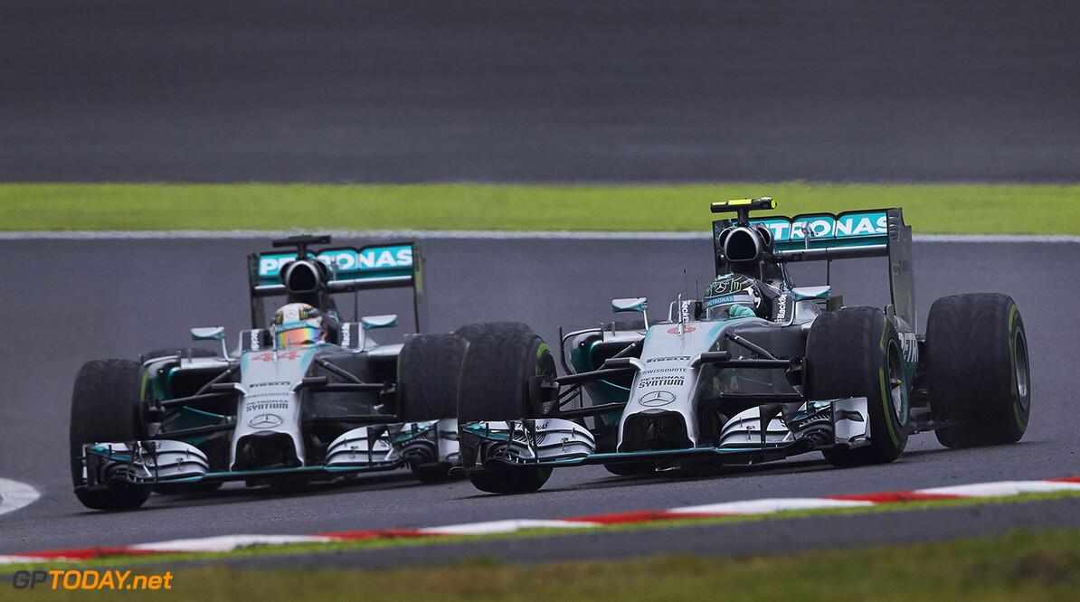 Mercedes-rijders mogen 'respectvol' met elkaar racen