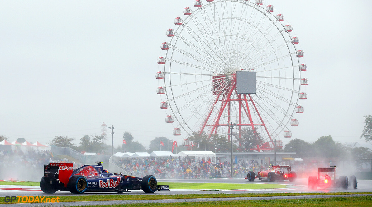 SUZUKA, JAPAN - OCTOBER 05: Daniil Kvyat of Russia and Scuderia Toro Rosso drives during the Japanese Formula One Grand Prix at Suzuka Circuit on October 5, 2014 in Suzuka, Japan. (Photo by Clive Rose/Getty Images) *** Local Caption *** Daniil Kvyat F1 Grand Prix of Japan Clive Rose Suzuka Japan