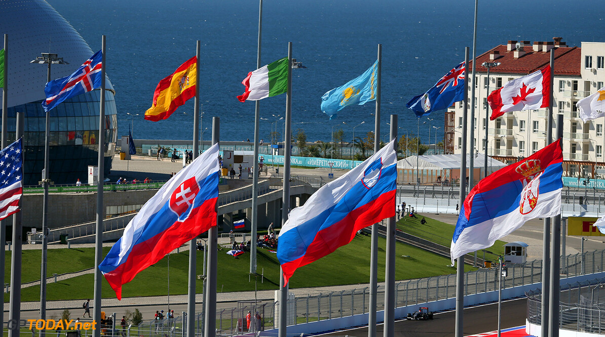 Russian GP Saturday 11/10/14 Adrian Sutil (D), Sauber F1 Team. 