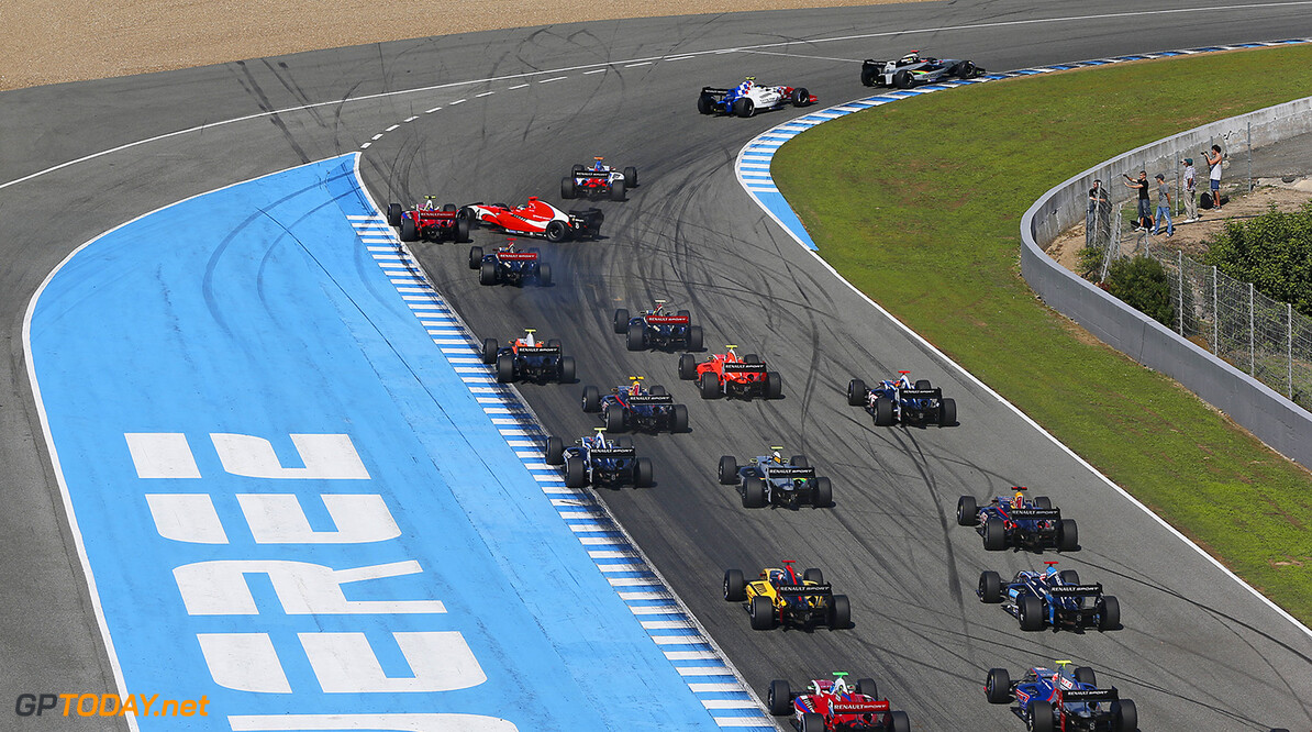 11 STEVENS Will (Gbr) Formula Renault 3.5 Strakka Racing action, start during the 2014 World Series by Renault from October 17th to 19th 2014, at Jerez, Spain. Photo Alexandre Guillaumot / DPPI AUTO - WSR JEREZ 2014 Alexandre Guillaumot Jerez Spain  2014 Espagne Auto Car CHAMPIONNAT Europe FORMULA RENAULT FORMULES FR FR 3.5 MONOPLACE Motorsport Race RENAULT SPORT series Sport UNIPLACE VOITURES WORLD WORLD SERIES BY RENAULT WSR Octobre October