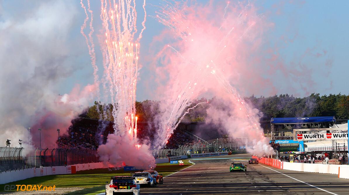 #23 Marco Wittmann (D, BMW Team RMG, BMW M4 DTM), #6 Paul Di Resta (GB, Mercedes AMG, DTM Mercedes AMG C-Coupe)