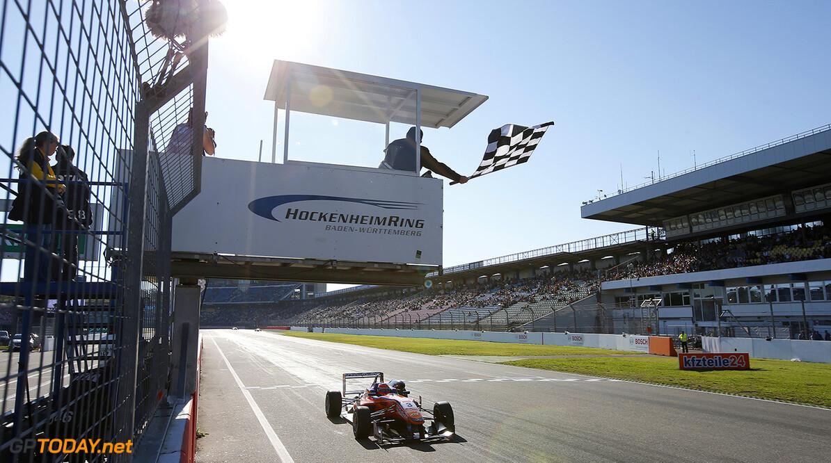 FIA Formula 3 European Championship, round 11, race 3, Hockenhei 3 Lucas Auer (AUT, kfzteile24 Mucke Motorsport, Dallara F312 - Mercedes), FIA Formula 3 European Championship, round 11, race 3, Hockenheim (GER) - 17. - 19. October 2014 FIA Formula 3 European Championship, round 11, race 3, Hockenheim (GER) Thomas Suer Hockenheim Germany