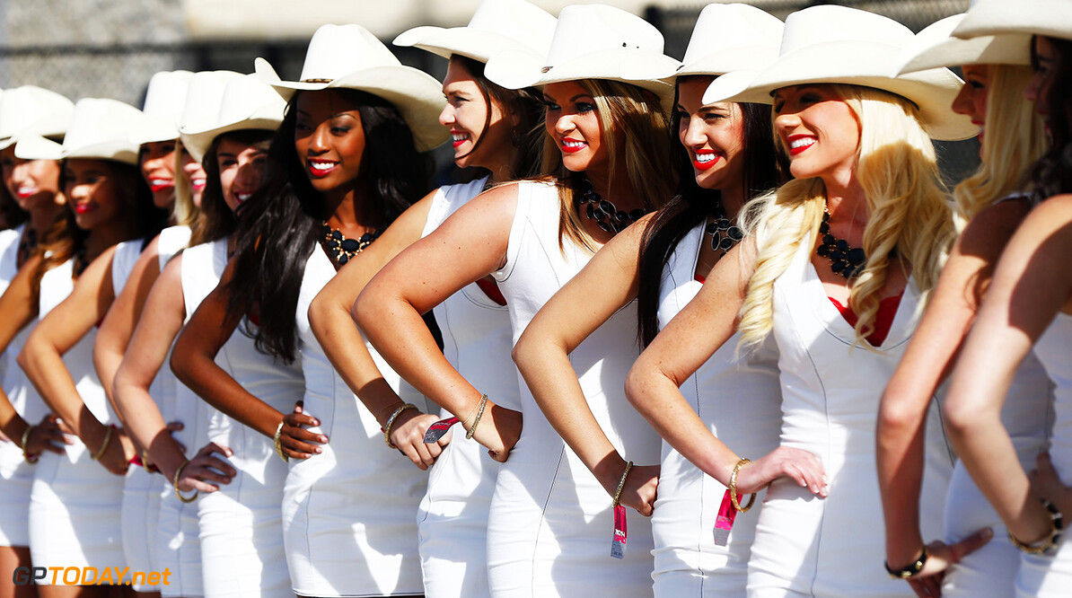 Teambazen springen in de bres voor de 'grid girls'