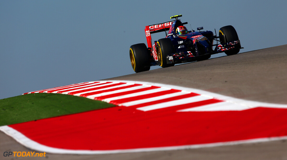 AUSTIN, TX - NOVEMBER 01:  Daniil Kvyat of Russia and Scuderia Toro Rosso drives during final practice for the United States Formula One Grand Prix at Circuit of The Americas on November 1, 2014 in Austin, United States.  (Photo by Clive Mason/Getty Images) *** Local Caption *** Daniil Kvyat F1 Grand Prix of USA - Qualifying Clive Mason Austin United States  forumla one racing