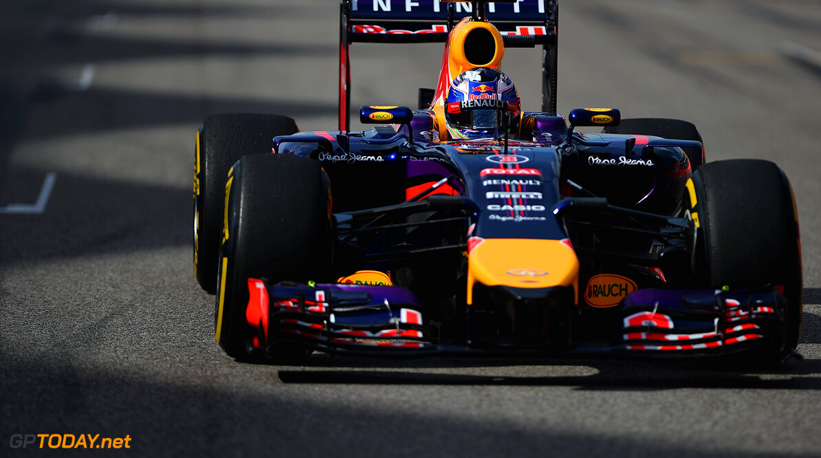 AUSTIN, TX - NOVEMBER 02:  Daniel Ricciardo of Australia and Infiniti Red Bull Racing drives during the United States Formula One Grand Prix at Circuit of The Americas on November 2, 2014 in Austin, United States.  (Photo by Paul Gilham/Getty Images) *** Local Caption *** Daniel Ricciardo F1 Grand Prix of USA Paul Gilham Austin United States  forumla one racing