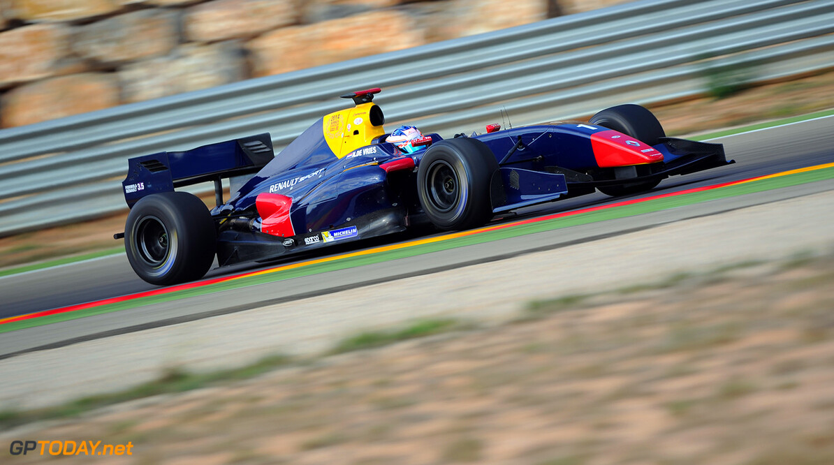 01 DE VRIES Nick (Ned) Formula Renault 3.5 actionN during the 2014 World Series by Renault 3.5 Tests from November 3rd to 5th 2014, at Motorland, Spain. Photo Alvaro Villa. AUTO - WSR 3.5 TESTS MOTORLAND 11/ 2014 Alvaro Villa Motorland Spain  2014 Auto Car CHAMPIONNAT ESPAGNE Europe FORMULA RENAULT FORMULES FR FR 3.5 MONOPLACE Motorsport NOVEMBRE NOVEMBER Race RENAULT SPORT series Sport UNIPLACE VOITURES WORLD WORLD SERIES BY RENAULT WSR TEST TESTS ESSAI ESSAIS