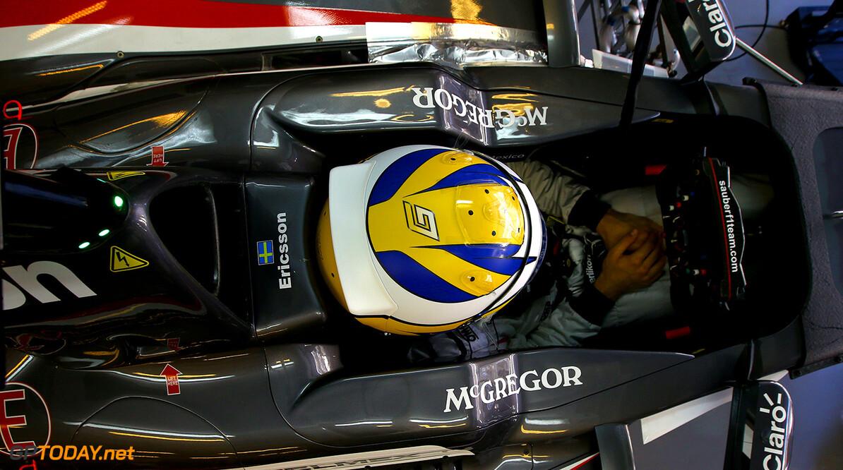 Abu Dhabi F1 Test 25-26/11/14 Marcus Ericsson (SWE), Sauber F1 Team. Yas Marina Circuit.  Abu Dhabi F1 Test 25-26/11/14 Jean Francois Galeron Abu Dhabi United Arab Emirates  F1 Formula One 2014 Pits Ericsson Sauber