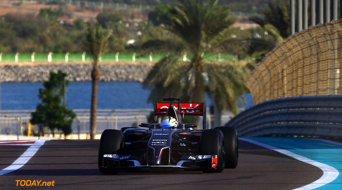 Abu Dhabi F1 Test 25-26/11/14 Marcus Ericsson (SWE), Sauber F1 Team. Yas Marina Circuit.  Abu Dhabi F1 Test 25-26/11/14 Jean Francois Galeron Abu Dhabi United Arab Emirates  F1 Formula One 2014 Action Ericsson Sauber