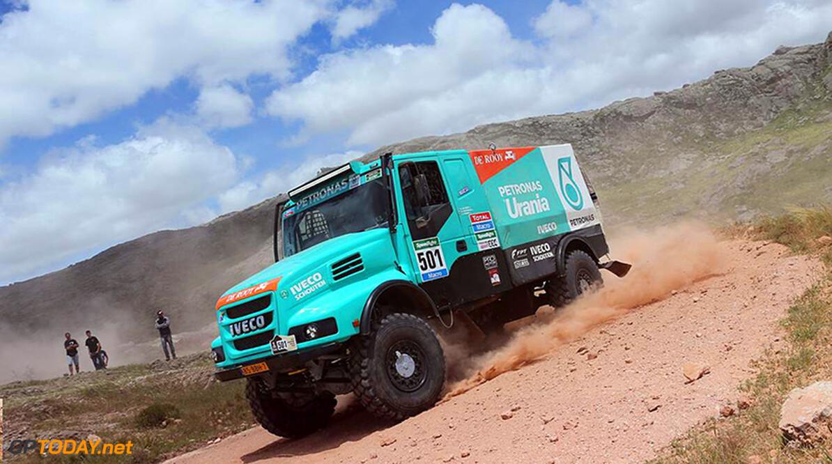<b>Dakar 2015:</b> Technisch euvel kost De Rooy dagzege