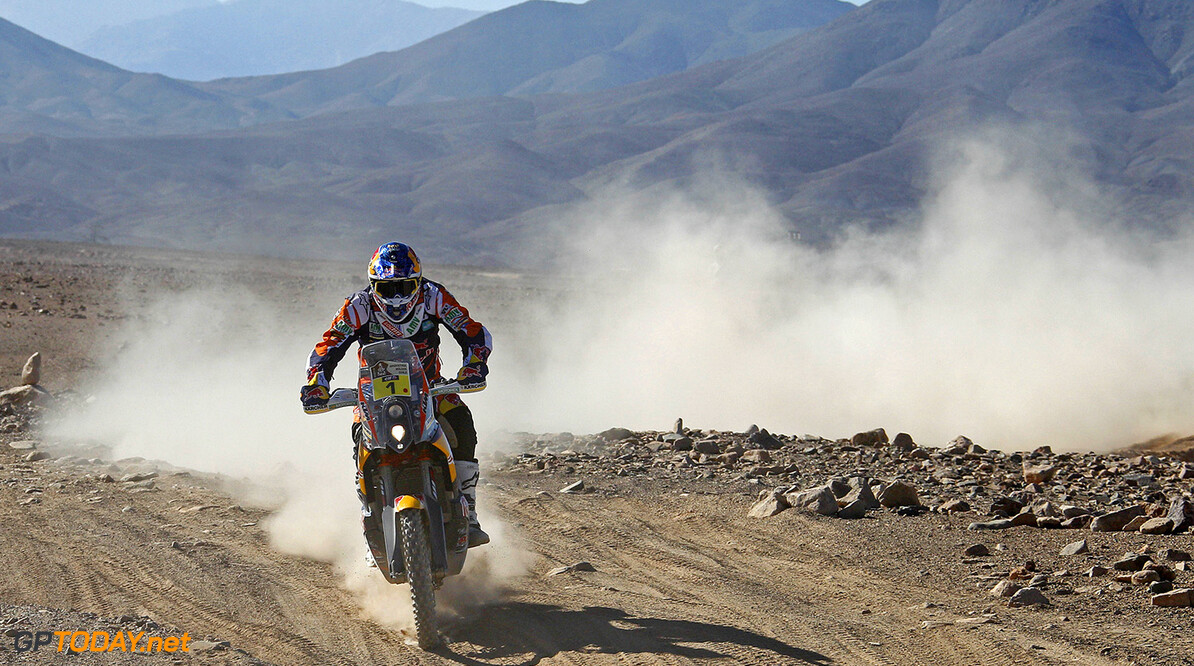 Marc Coma races during stage 5 of Rally Dakar 2015 from Copiapo to Antofagosa, Chile on January 8th, 2015 // KTM Images/Red Bull Content Pool // P-20150109-00282 // Usage for editorial use only // Please go to www.redbullcontentpool.com for further information. //  Marc Coma - Action cristianobarni@hotmail.it_380506    P-20150109-00282