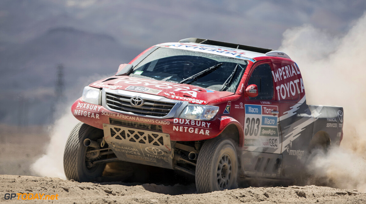Giniel De Villiers races during stage 5 of Rally Dakar 2015 from Copiapo to Antofagosa, Chile on January 8th, 2015 // Flavien Duhamel/Red Bull Content Pool // P-20150108-00269 // Usage for editorial use only // Please go to www.redbullcontentpool.com for further information. //  Giniel De Villiers - Action Flavien Duhamel    P-20150108-00269