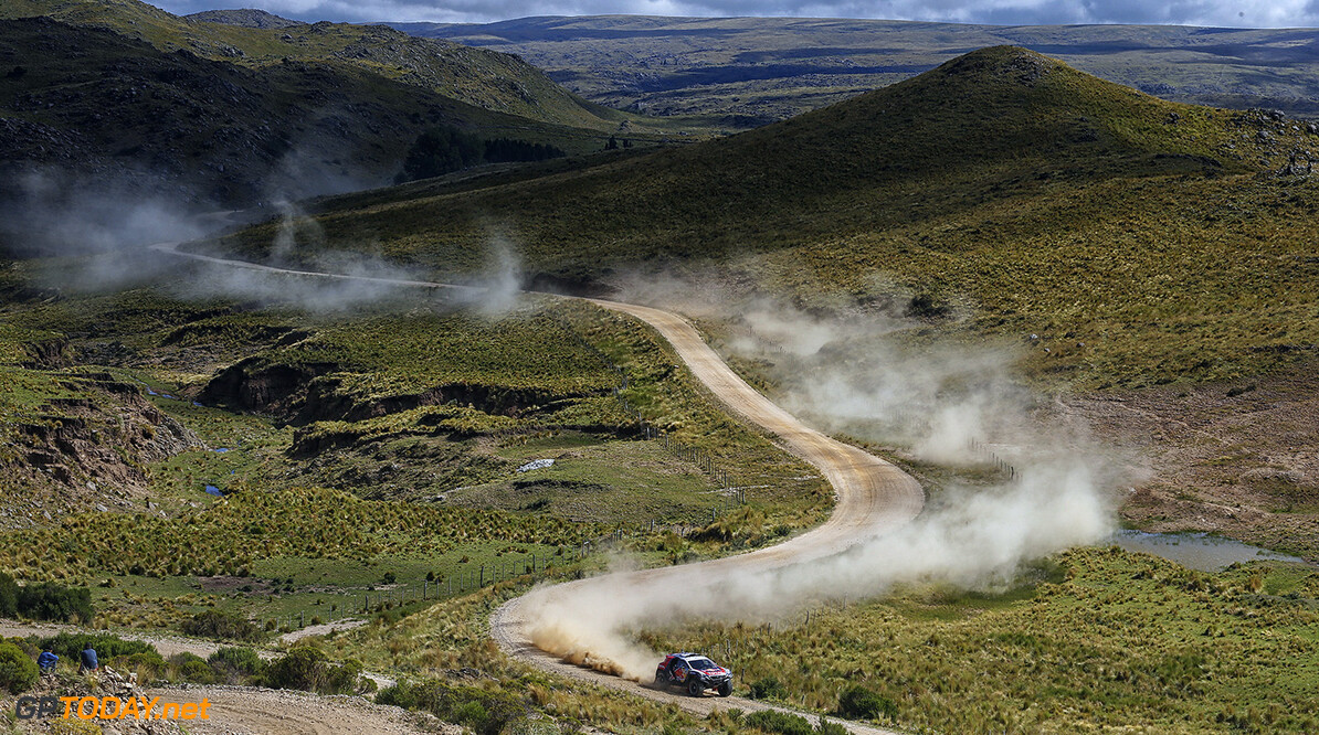 Stephane Peterhansel races during the 2nd stage of Rally Dakar 2015 from Villa Carlos Paz to San Juan, Argentina on January 5th, 2015 Peugeot returns to Dakar // Francois Flamand/ DPPI/ Red Bull Content Pool // P-20150109-00290 // Usage for editorial use only // Please go to www.redbullcontentpool.com for further information. //  Stephane Peterhansel - Action Francois Flamand    P-20150109-00290