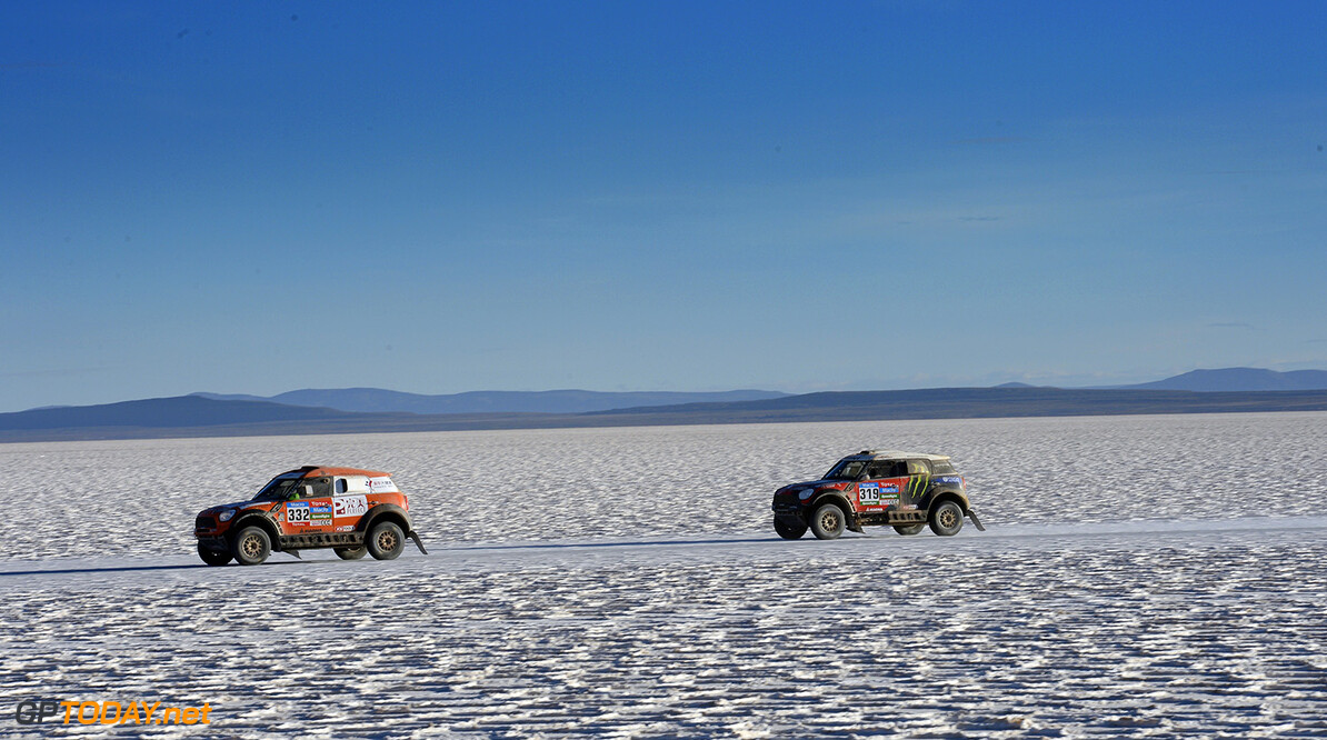 during the Dakar 2015 Argentina Bolivia Chile, Car Marathon Stage 8a / Auto Etape Marathon 8a, Uyuni to Iquique on January 11th 2015 at Uyuni, Bolivia. Photo Eric Vargiolu / DPPI AUTO - DAKAR 2015 PART 2 Eric Vargiolu Uyuni Bolivia  auto rally rallye rallyraid rallyes raid rallye raid amerique du sud 2015 janvier january moto camion trucks bikes quad argentine bolivie chili dakar course