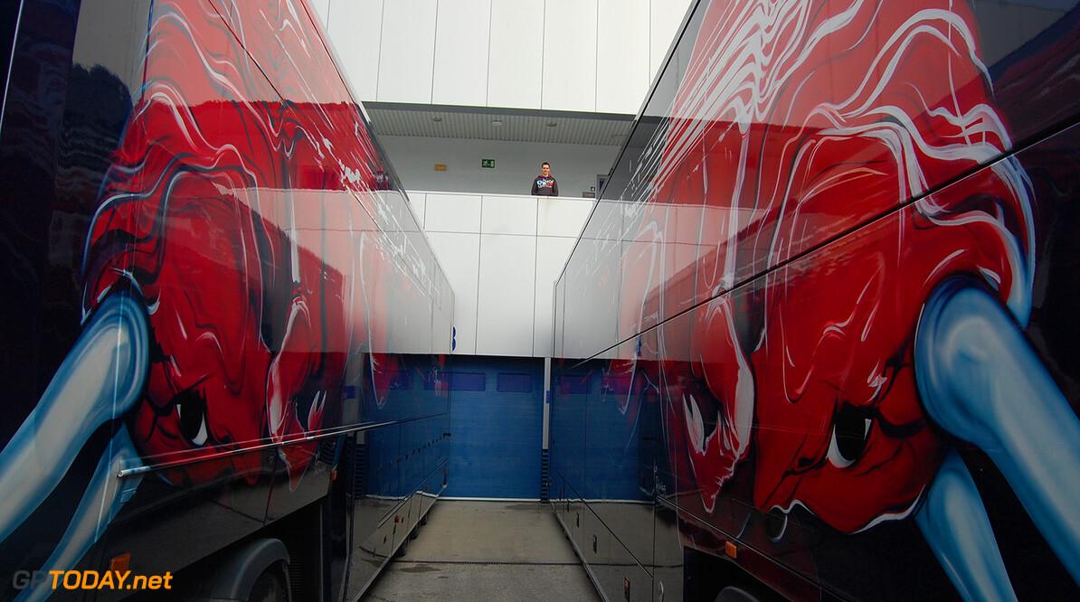 Naam NOVA Chemicals ontbreekt bij Toro Rosso