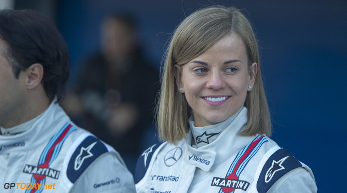 Susie Wolff kruipt donderdag in Williams FW37