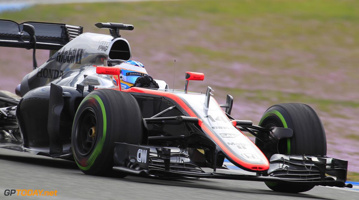 Opgelucht McLaren-Honda ligt achter op schema