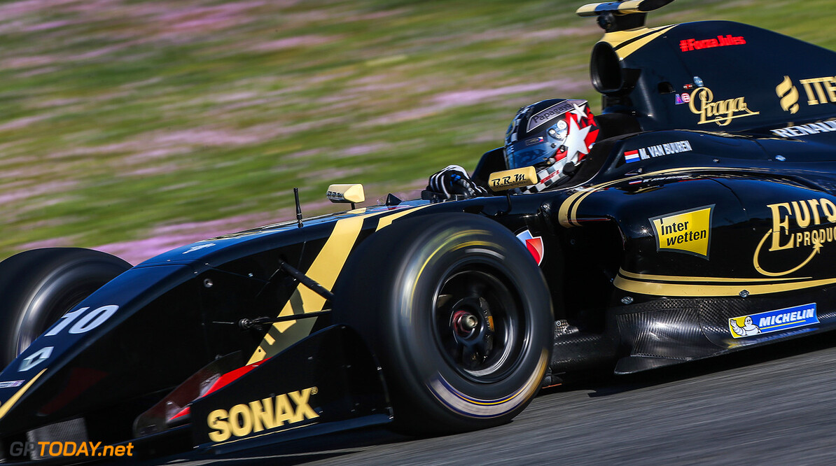 MOTORSPORTS-JEREZ-WORLD SERIES RENAULT JEREZ (ESP) MRT 4-6 2015 - First collective test of the World Series by Renault 2015 at Circuito Permanente de Jerez. Meindert van Buuren jr. #10 Lotus. Action. (C) 2015 Diederik van der Laan  / Dutch Photo Agency / LAT Photographic  Diederik van der Laan Jerez Spain  Aragon Auto Autosport Car Formula Jerez Michelin Motorland Motorsports Race Racing Renault Track World Series