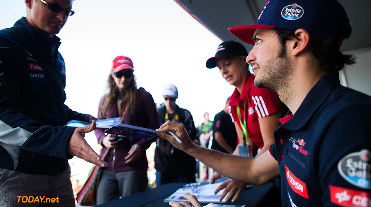 527733359PF016_Australian_F MELBOURNE, AUSTRALIA - MARCH 12:  Carlos Sainz of Spain and Toro Rosso during previews to the Australian Formula One Grand Prix at Albert Park on March 12, 2015 in Melbourne, Australia.  (Photo by Peter Fox/Getty Images) *** Local Caption *** Carlos Sainz Australian F1 Grand Prix - Previews Peter Fox Melbourne Australia
