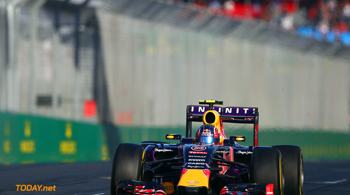 MELBOURNE, AUSTRALIA - MARCH 13:  Daniil Kvyat of Russia and Infiniti Red Bull Racing drives during practice for the Australian Formula One Grand Prix at Albert Park on March 13, 2015 in Melbourne, Australia.  (Photo by Robert Cianflone/Getty Images) // Getty Images/Red Bull Content Pool // P-20150313-00199 // Usage for editorial use only // Please go to www.redbullcontentpool.com for further information. //  Australian F1 Grand Prix - Practice Robert Cianflone Melbourne Australia  P-20150313-00199