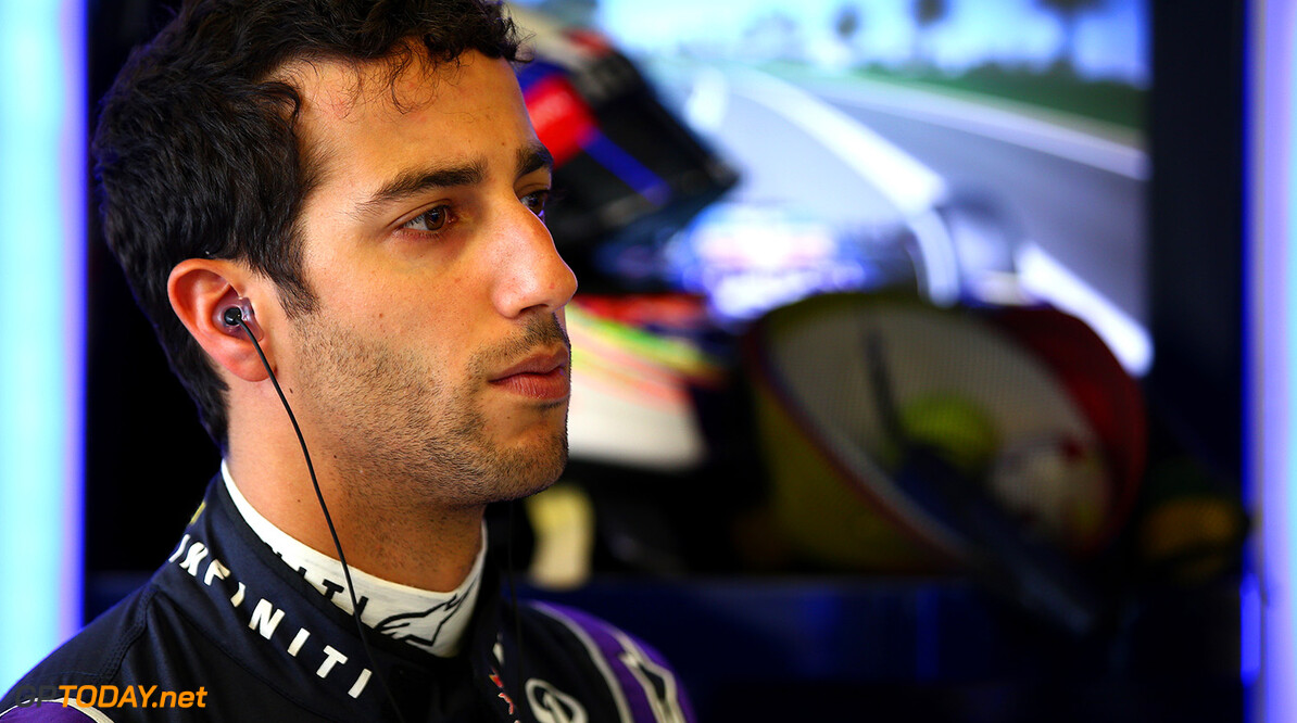 MELBOURNE, AUSTRALIA - MARCH 13:  Daniel Ricciardo of Australia and Infiniti Red Bull Racing looks on in the garage during practice for the Australian Formula One Grand Prix at Albert Park on March 13, 2015 in Melbourne, Australia.  (Photo by Mark Thompson/Getty Images) // Getty Images/Red Bull Content Pool // P-20150313-00191 // Usage for editorial use only // Please go to www.redbullcontentpool.com for further information. //  Australian F1 Grand Prix - Practice Mark Thompson Melbourne Australia  P-20150313-00191