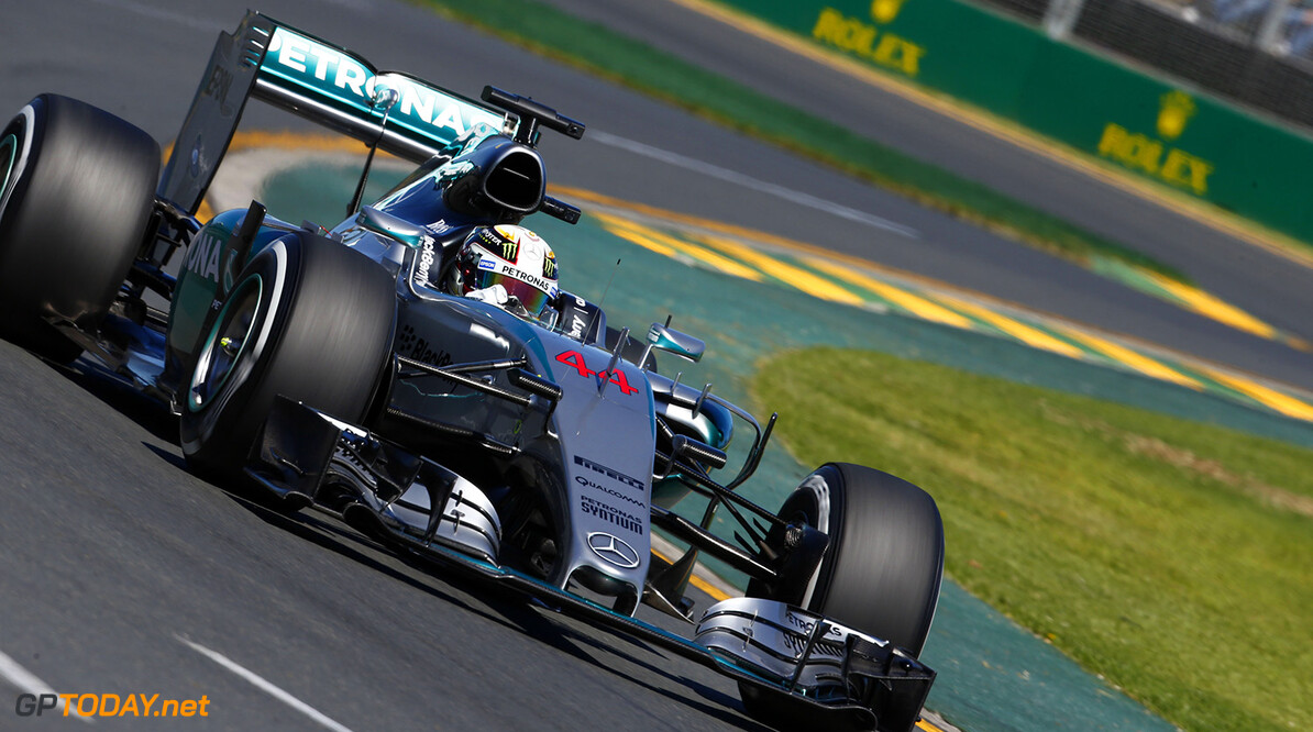 Hamilton wint seizoensopener in Melbourne