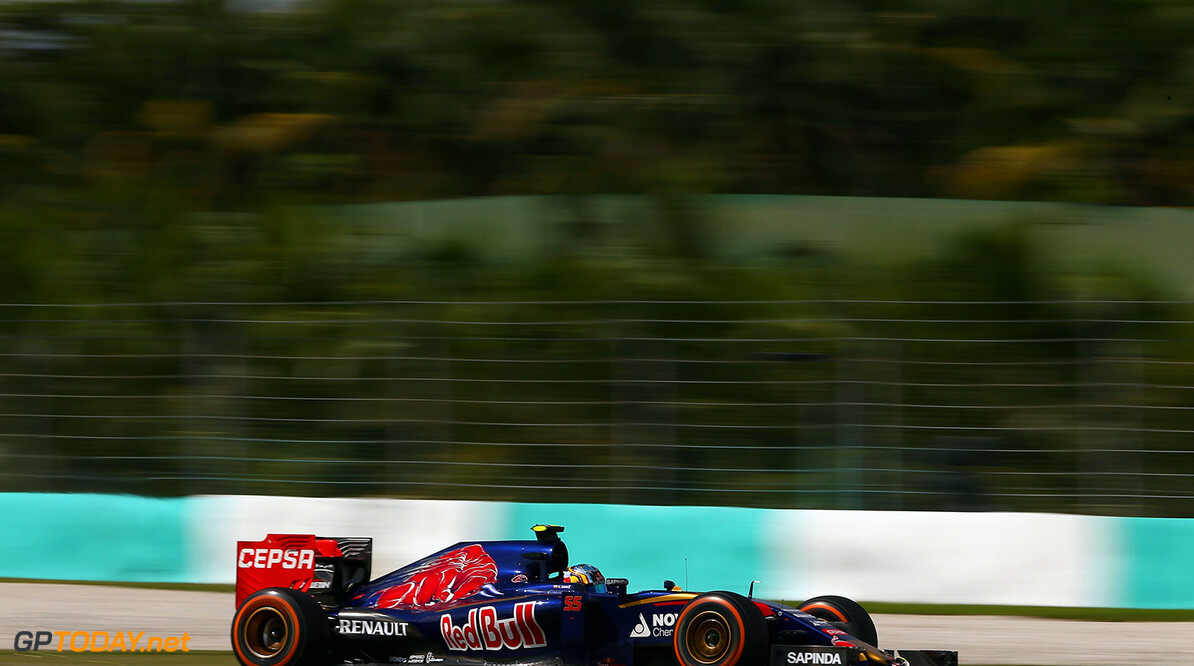 KUALA LUMPUR, MALAYSIA - MARCH 29:  Carlos Sainz of Spain and Scuderia Toro Rosso drives during the Malaysia Formula One Grand Prix at Sepang Circuit on March 29, 2015 in Kuala Lumpur, Malaysia.  (Photo by Clive Mason/Getty Images) *** Local Caption *** Carlos Sainz F1 Grand Prix of Malaysia Clive Mason Kuala Lumpur Malaysia  Formula One Racing formula 1 Auto Racing Malaysia F1 Grand Prix Malaysian Formula One Grand Prix Formula One Grand Prix
