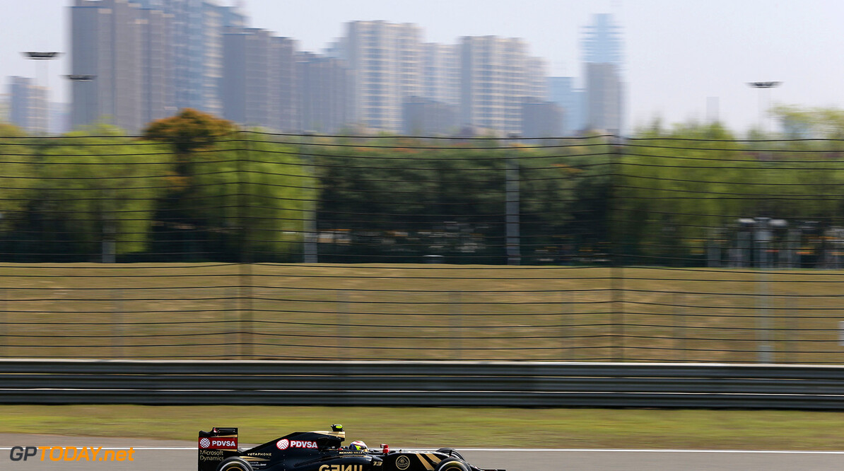 Formula One World Championship Pastor Maldonado (VEN) Lotus F1 E23.