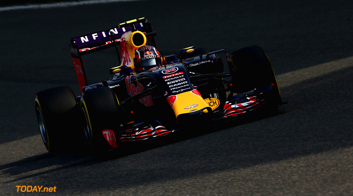 SHANGHAI, CHINA - APRIL 11:  Daniil Kvyat of Russia and Infiniti Red Bull Racing drives during qualifying for the Formula One Grand Prix of China at Shanghai International Circuit on April 11, 2015 in Shanghai, China.  (Photo by Clive Mason/Getty Images) // Getty Images/Red Bull Content Pool // P-20150411-00226 // Usage for editorial use only // Please go to www.redbullcontentpool.com for further information. //  F1 Grand Prix of China - Qualifying Clive Mason Shanghai China  P-20150411-00226